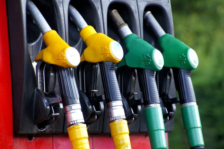 Oil marketing companies go on pause mode as petrol, diesel prices remain unchanged.
