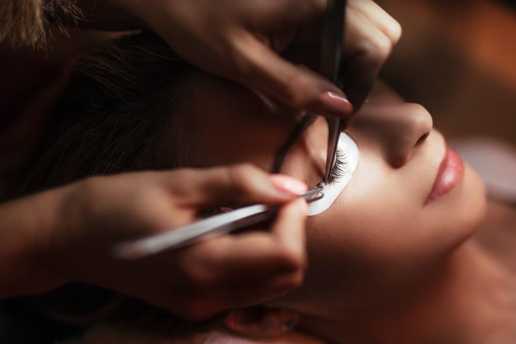 Eyelash Technician