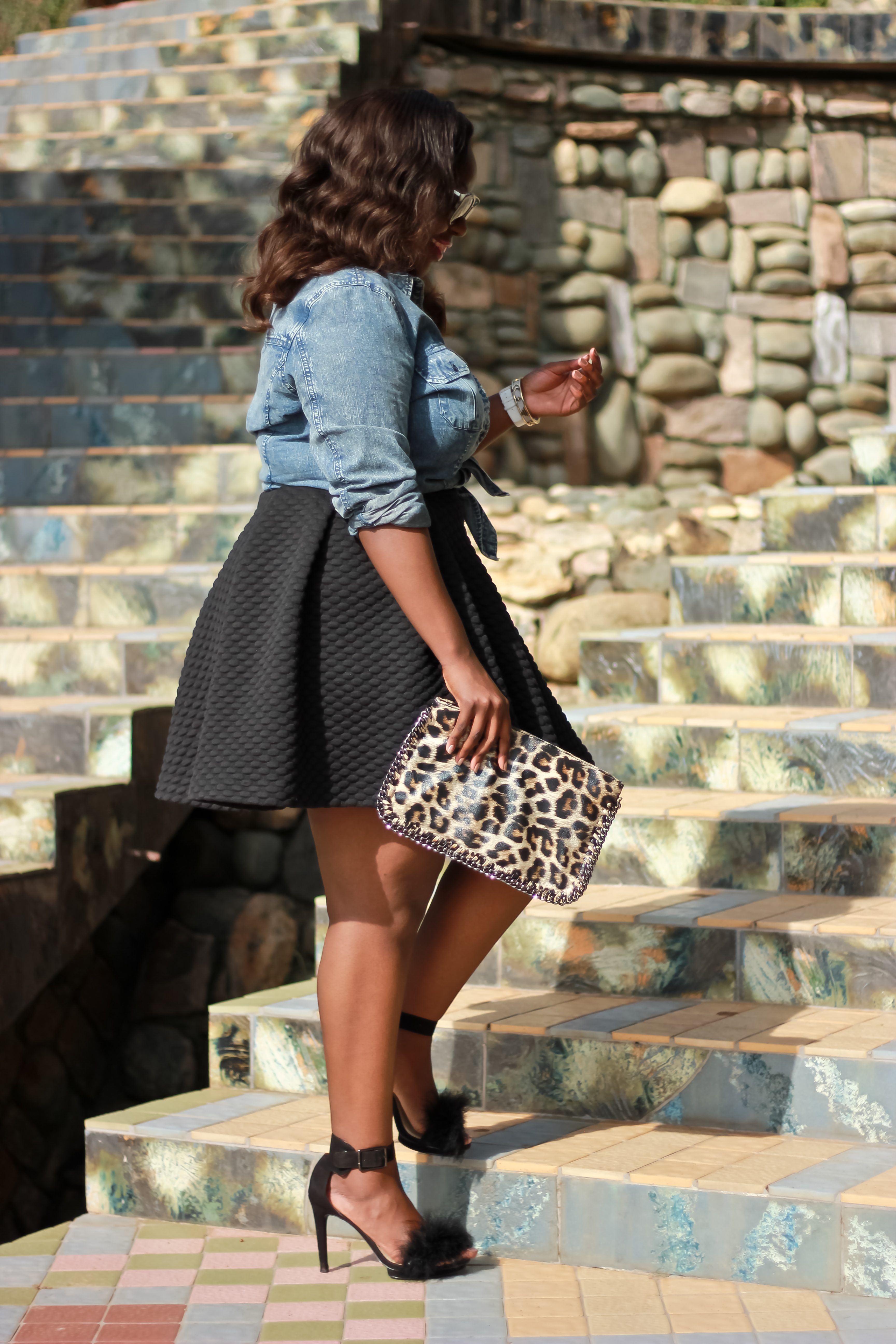 how to wear denim in a fancy and Fashionable way for curvy ladies