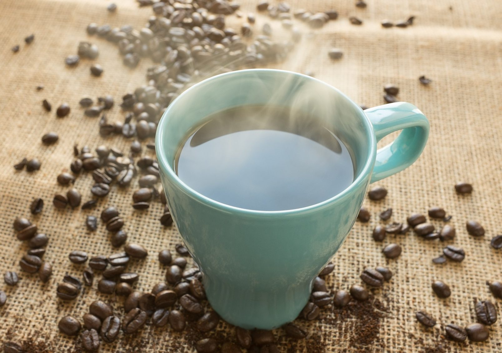 Can caffeine kill you, dangers or caffeine overdose, what happens if you drink too much coffee caffeine