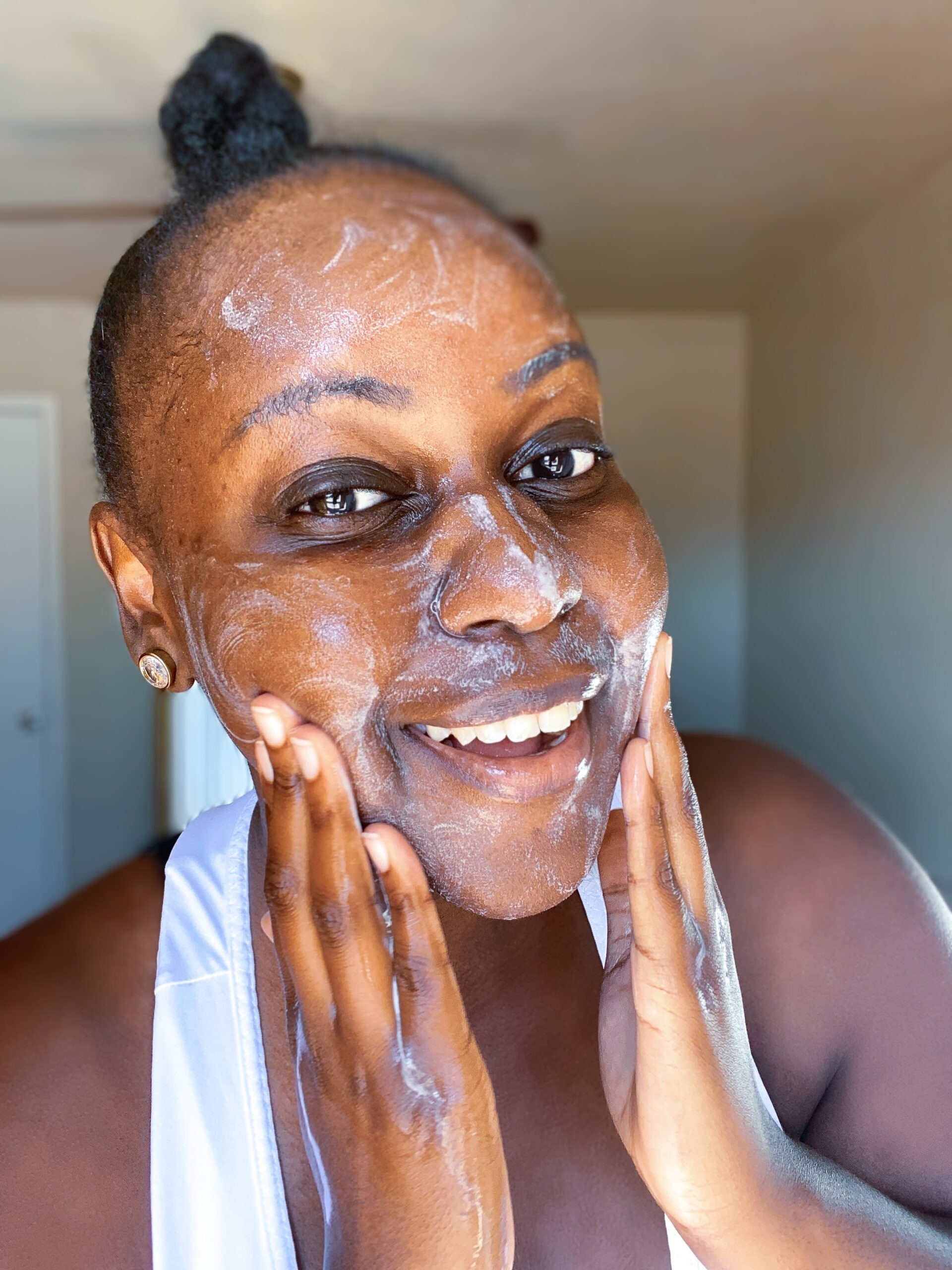 dark skin beauty blogger, sephora vib rouge blogger, texas blogger, texas influencer, dark skin, best moisturizers for winter for black people, most hydrating moisturizers,SOL DE JANEIRO, New Year New Skin, Daytime Skincare Routine, sephora haul, texas houston beauty blogger,