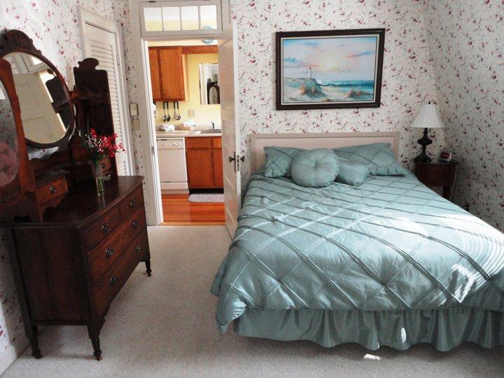 Uint 15 Master Bedroom