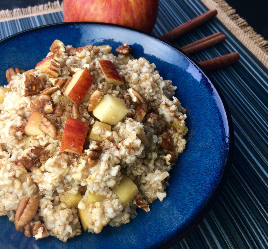 Slow Cooker Apple Cinnamon Oats