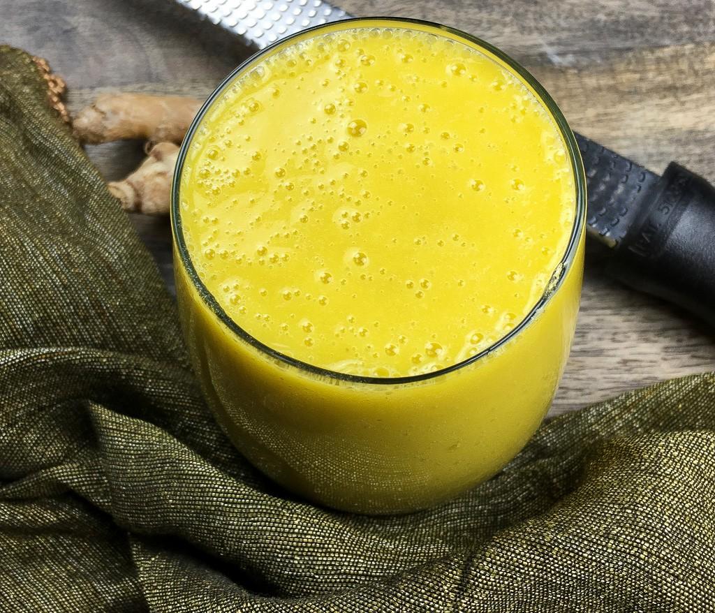 Tropical Mango Breakfast Smoothie