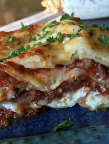 """Vegetarian 5 Cheese Lasagna with """"Meat"""" Sauce"""