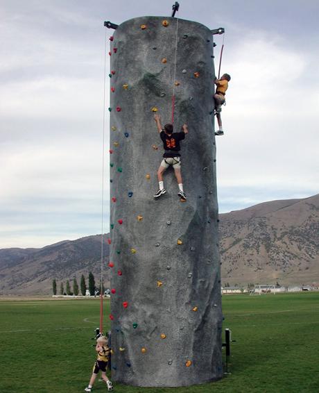 3-Climber Climb N Dangle