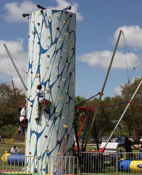 Climbing Wall Bungee Trampoline Combo