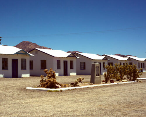Roy's Cottages in Amboy california