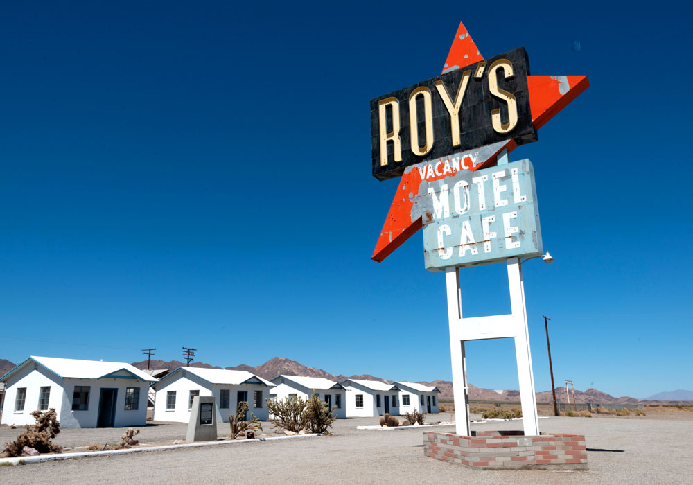 Roy's Famous Sign, Roy's Motel & Cafe
