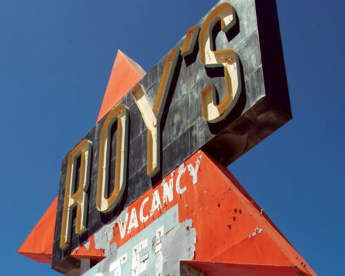 The-Roy's-Motel-&-Cafe-Sign-in-Amboy