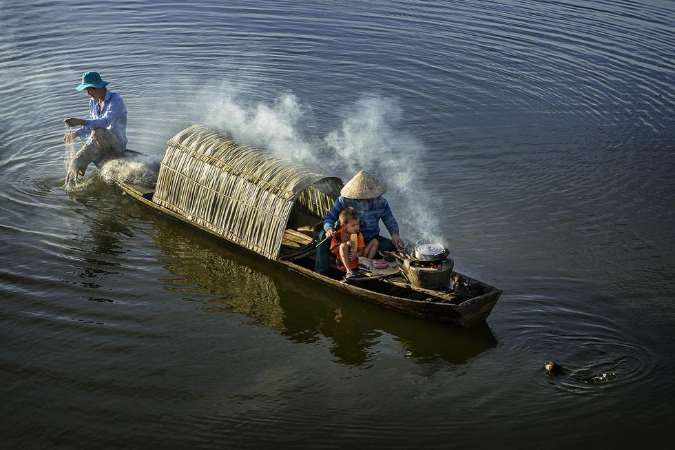Ngắm những khoảnh khắc yêu thương gia đình ở khắp nẻo Việt Nam - Ảnh 9.
