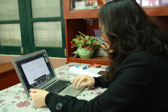 Trường THCS & THPT Nguyễn Tất Thành cho 100% học sinh học trực tuyến - Ảnh 16.