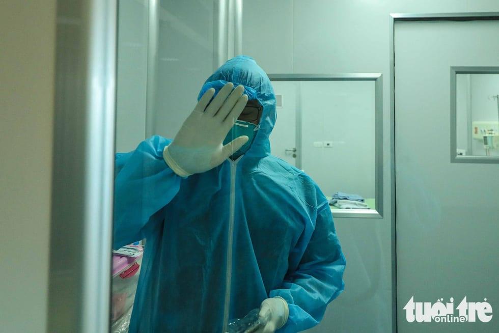 Cận cảnh nơi chữa 46 bệnh nhân dương tính trong trận chiến chống COVID-19 - Ảnh 17.