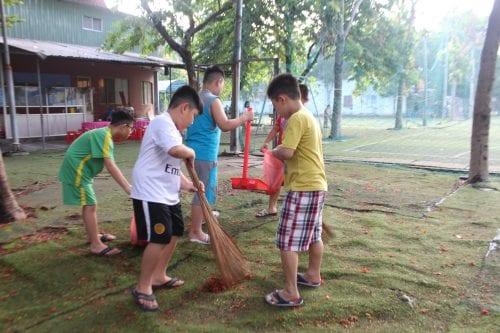 Kết quả hình ảnh cho dạy trẻ lao động