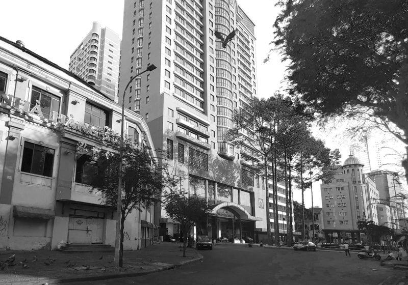 Khách sạn Caravel ttước 1975 là nơi trung tâm báo chí nước ngoài tới Saigon để đưa tin. Hiện nay vẫn còn giữ tên.
