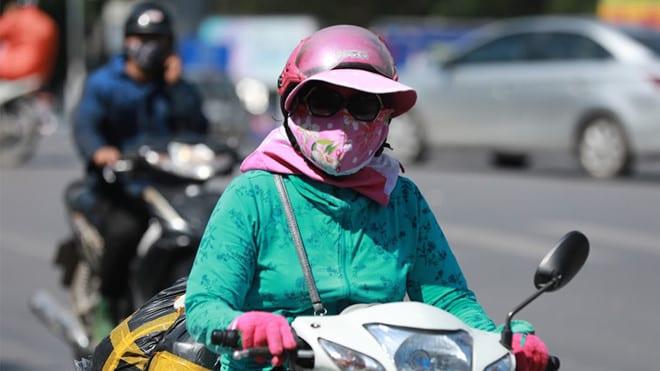 Nắng nóng tại Hà Đông (Hà Nội) lên tới 40,9 độ C, là nhiệt độ cao nhất tháng 5 trong 59 năm qua /// Ảnh Ngọc Thắng