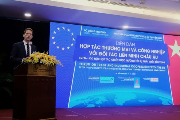 EVFTA xuất hiện kịp thời vực dậy kinh tế Việt Nam trong bối cảnh COVID-19 - Ảnh 2.
