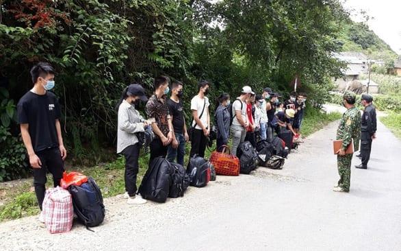 Nhập cảnh trái phép nhộn nhịp vùng biên Hà Giang, chỉ một đồn đã bắt được 2.500 người - Ảnh 1.