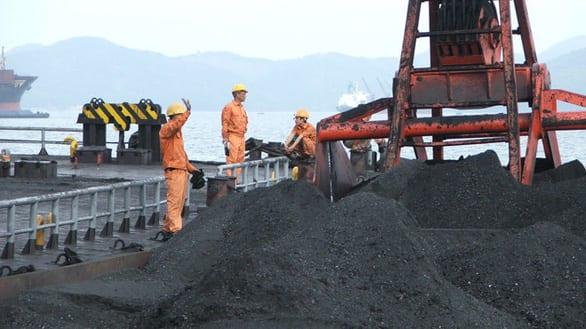 Than - Khoáng sản Việt Nam: Doanh thu hàng tỉ USD, lợi nhuận phải điều chỉnh giảm - Ảnh 1.