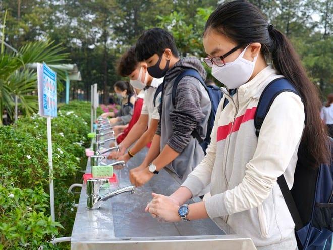 Rửa tay là cách tốt nhất để ngăn ngừa lây truyền bệnh /// BẢO KHUYÊN