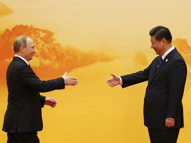 Tổng thống Nga Vladimir Putin và Chủ tịch Trung Quốc Tập Cận Bình /// Reuters
