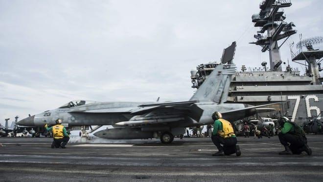 Thế trận tàu sân bay của liên minh 'NATO châu Á' ở Biển Đông - ảnh 1