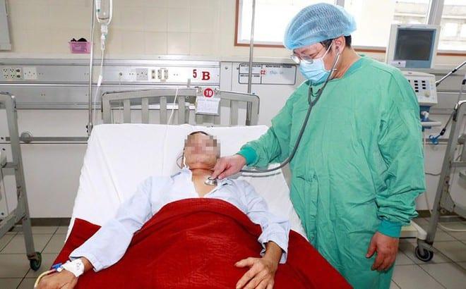 Một bệnh nhân Whitmore nhập viện muộn nên chuyển biến nặng đang điều trị tại khoa Hồi sức cấp cứu bệnh viện T.Ư Huế /// ẢNH: BVCC