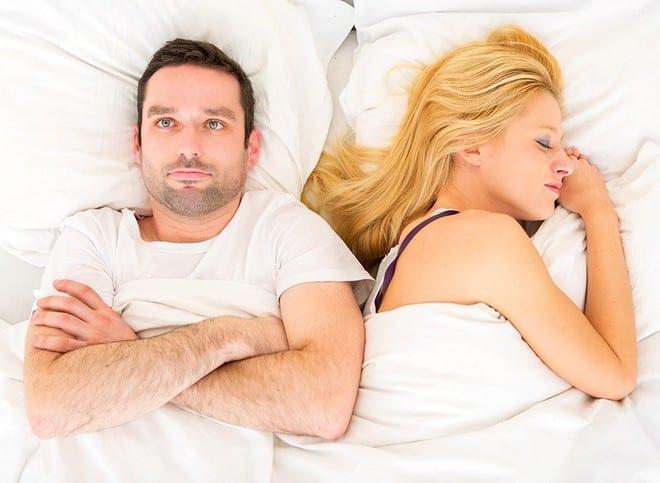 Hãy quan tâm nhau nhiều hơn và đừng cố gắng kiểm soát nhau, để tình cảm vợ chồng ngày càng hòa hợp /// Ảnh minh họa: Shutterstock