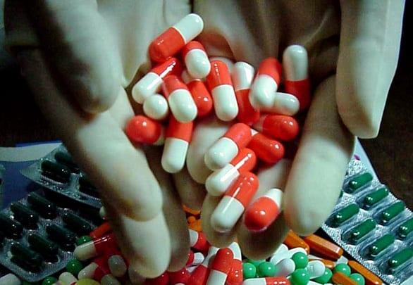 Có nên dùng lại đơn thuốc cũ cho trẻ hay không? - Ảnh 1.