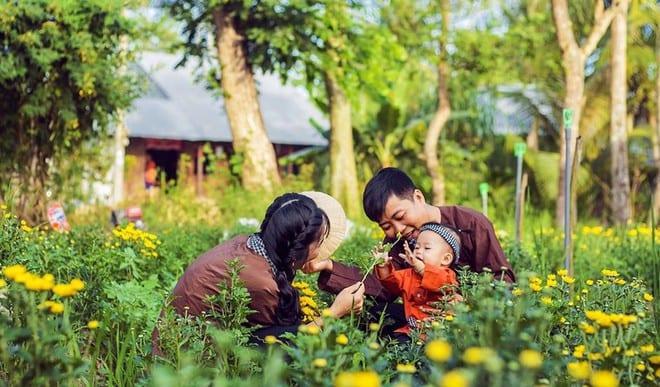 Hạnh phúc đi về nhà, thấy nhà là thấy tết /// Nguyễn Hoàng Tú