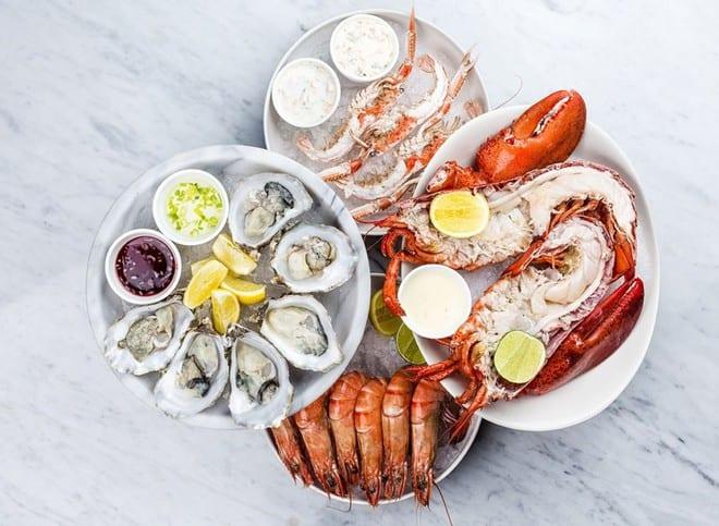 Người bị a xít uric cao nên hạn chế ăn hải sản /// Ảnh: Shutterstock