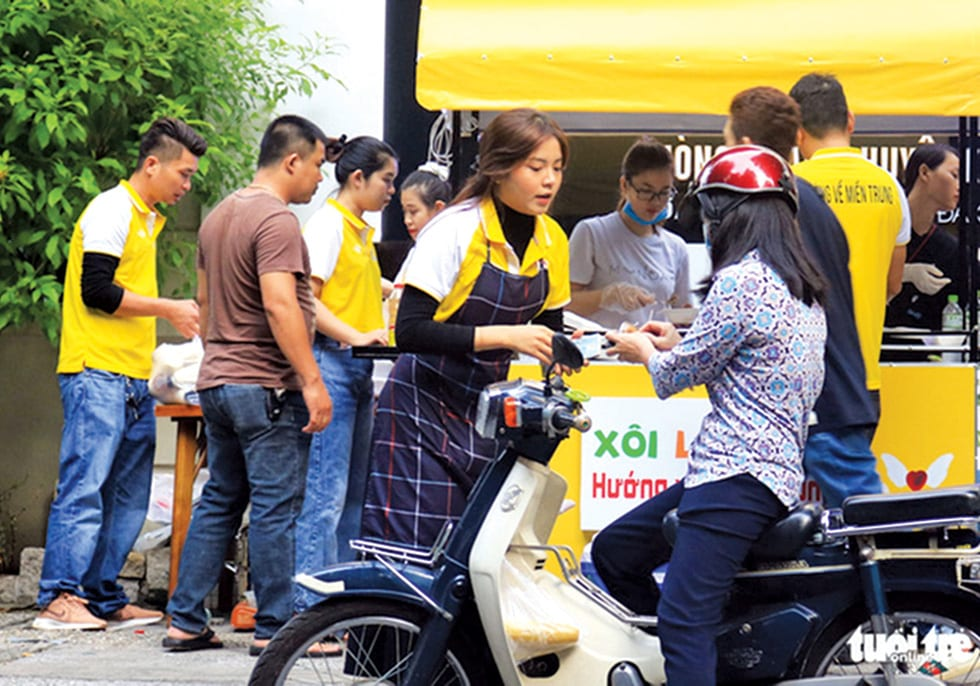 Sài Gòn bao dung - TP.HCM nghĩa tình: Sài Gòn ôm tất cả chúng ta vào lòng - Ảnh 6.