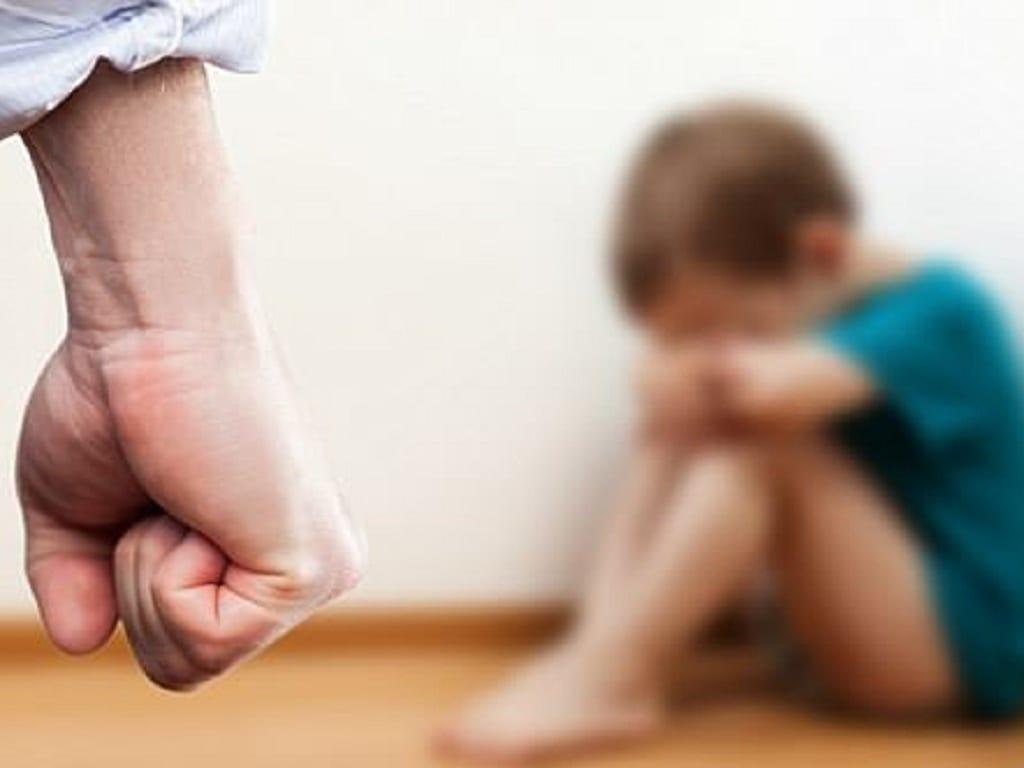 Nghiên cứu của Đại học Harvard phát hiện dạy dỗ bằng bạo lực có thể tác động xấu đến sự phát triển trí não của trẻ /// Ảnh minh họa: Shutterstock