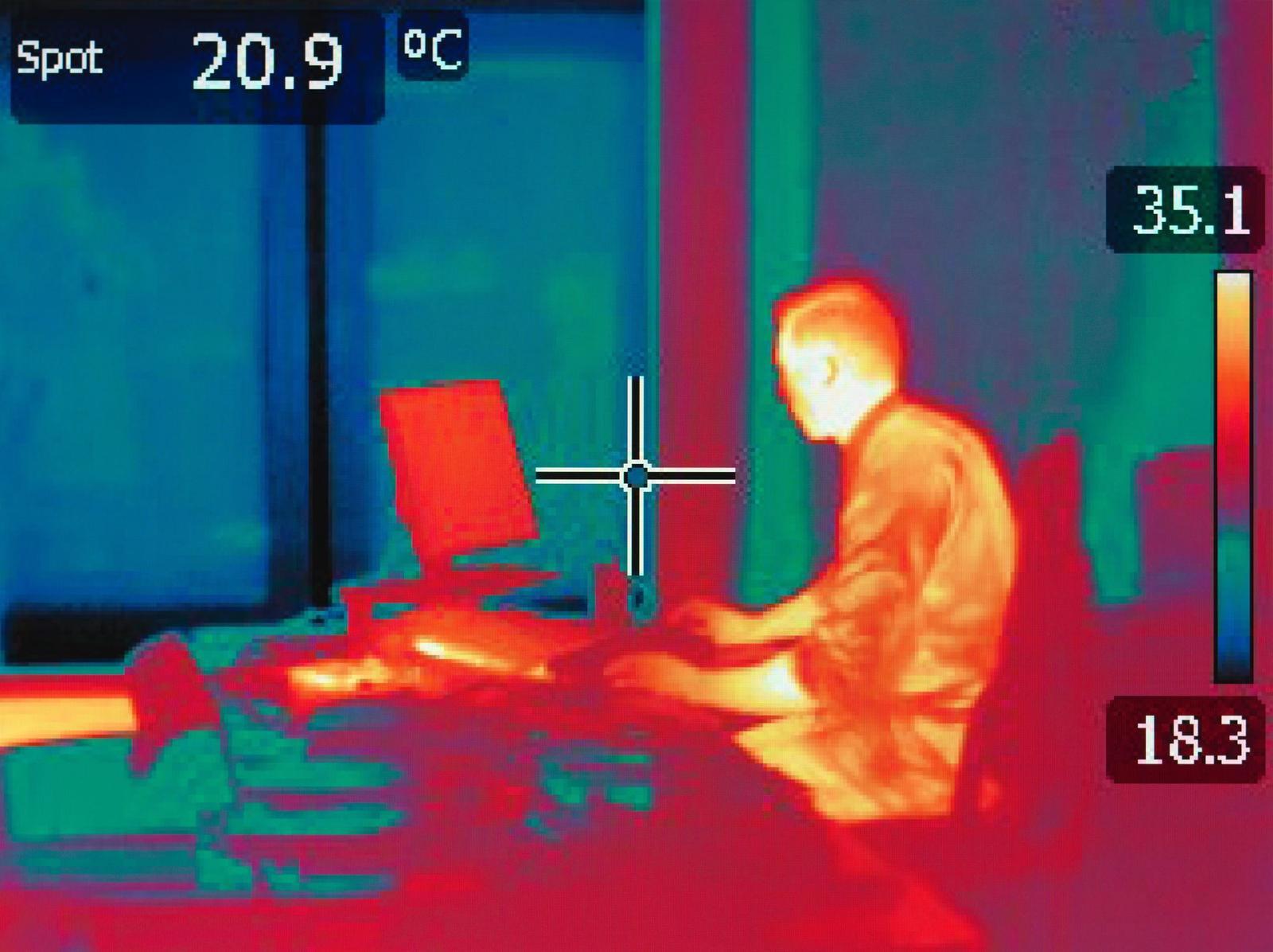 Cảnh giác với nhiệt độ trong phòng làm việc /// AFP/Getty