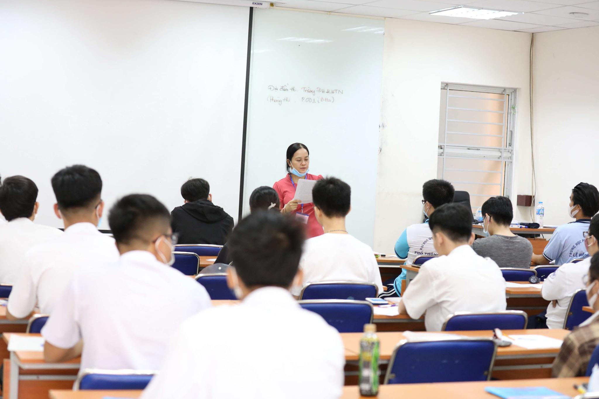Thí sinh dự thi đánh giá năng lực tại Trường ĐH Khoa học tự nhiên TP.HCM năm nay /// Ngọc Dương