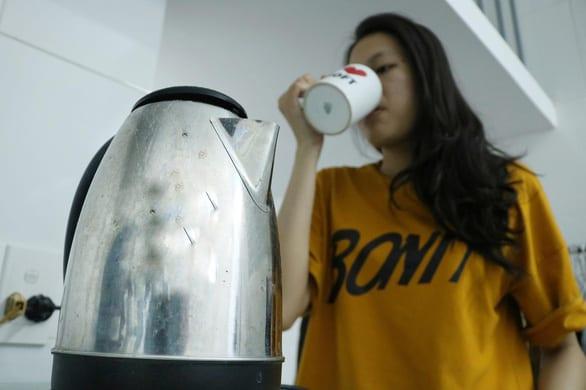 Nước sôi để nguội nên uống trong mấy ngày? - Ảnh 1.