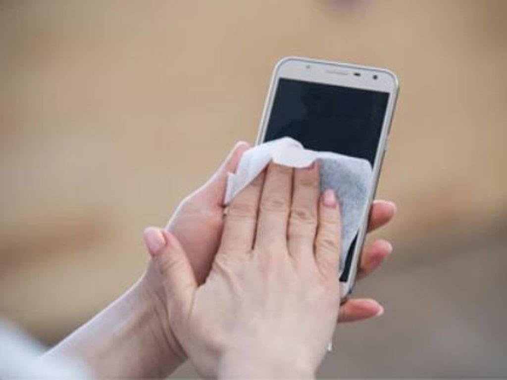 Nếu không bỏ được thói quen này, điện thoại của bạn bẩn gấp 10 lần nhà vệ sinh1