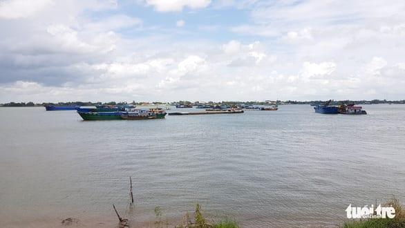 An Giang lo người gốc Việt tại Campuchia đổ về giữa dịch bệnh - Ảnh 2.