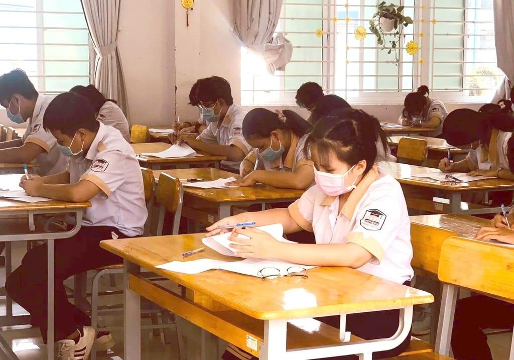Sở GD- ĐT TP.HCM chỉ đạo ổn định mức thu học phí và các khoản thu khác năm học 2021- 2022. /// Bích Thanh