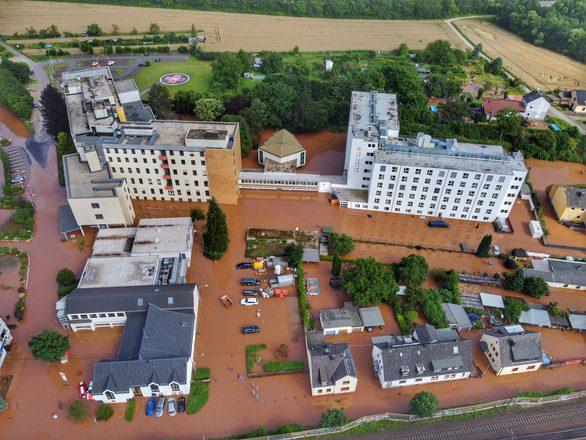 Lũ lụt thảm họa ở Tây Âu cho thấy không quốc gia nào an toàn - Ảnh 1.
