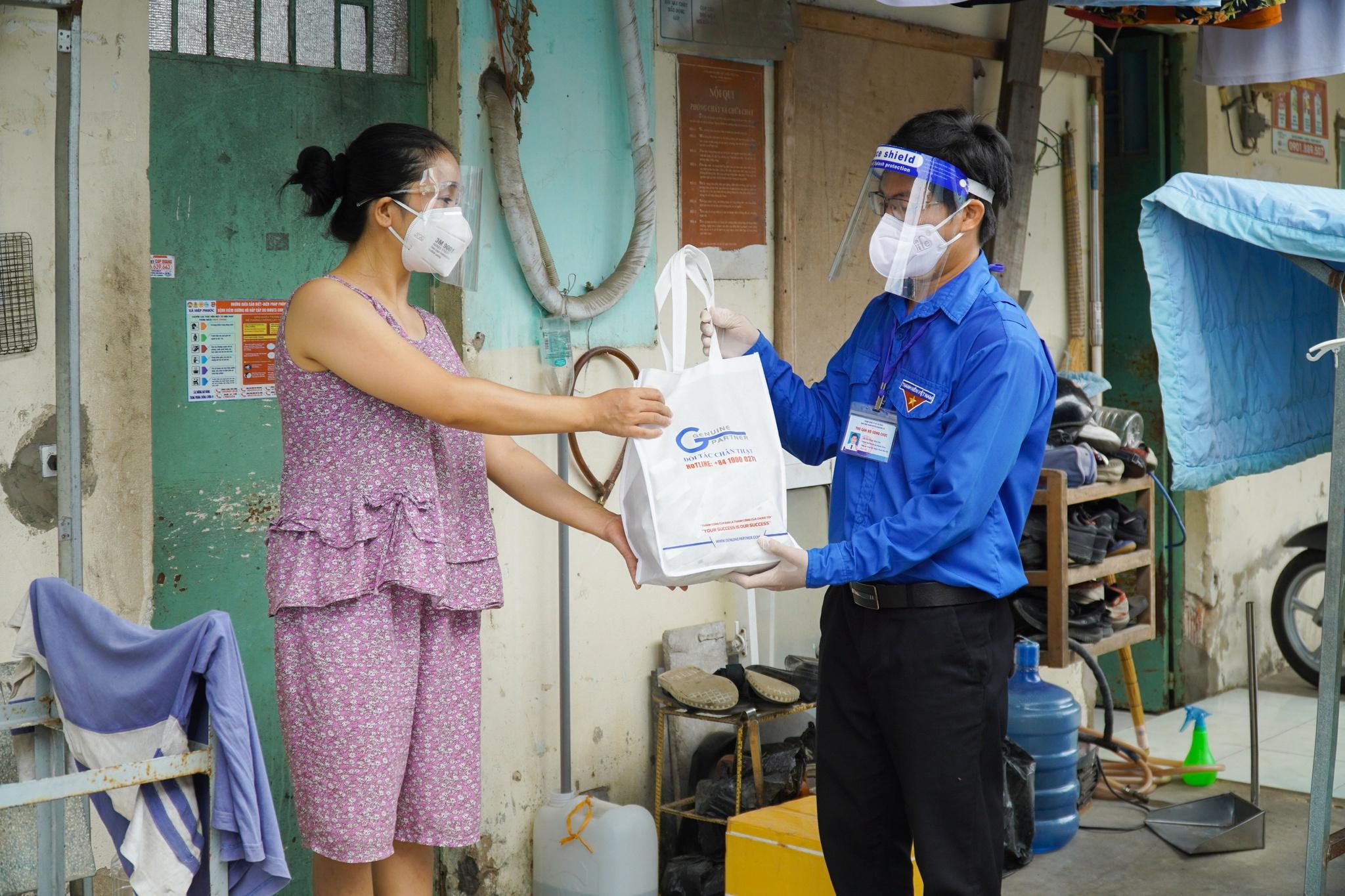 Công nhân treo bảng cầu cứu sữa cho con, nghẹn ngào khi nhận được hỗ trợ - ảnh 6
