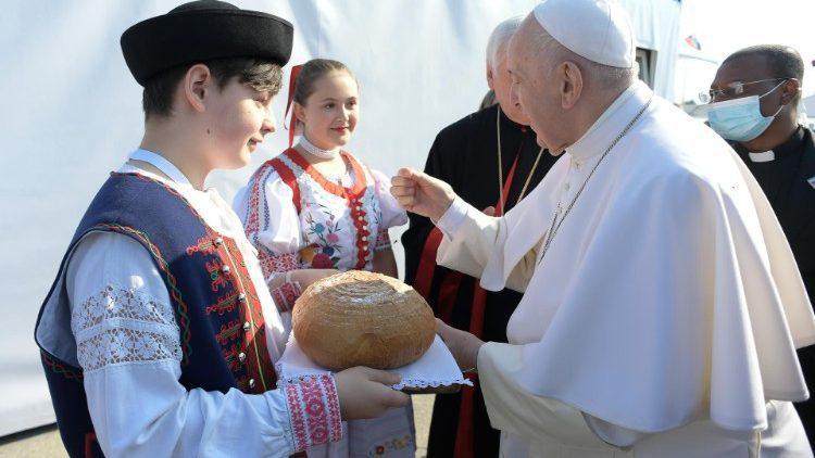 ĐTC cử hành Phụng vụ Thánh Thể lễ Suy tôn Thánh giá