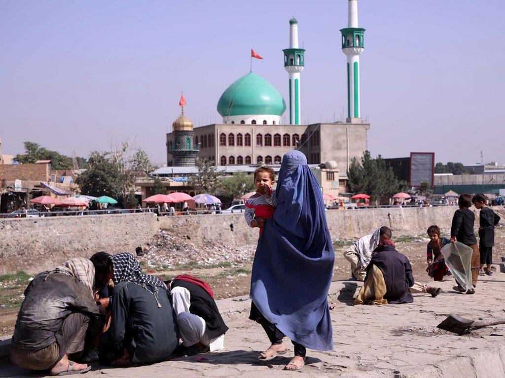 Người Afghanistan trên đường phố Kabul ngày 4.9 /// REUTERS