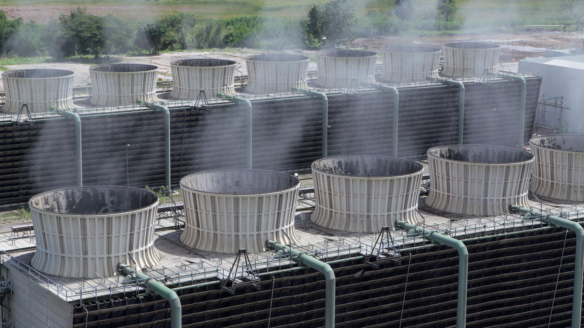 Hệ thống tháp giải nhiệt trên các tòa nhà sẽ được điều chỉnh lại thành thiết bị thu giữ khí CO2 /// Noya
