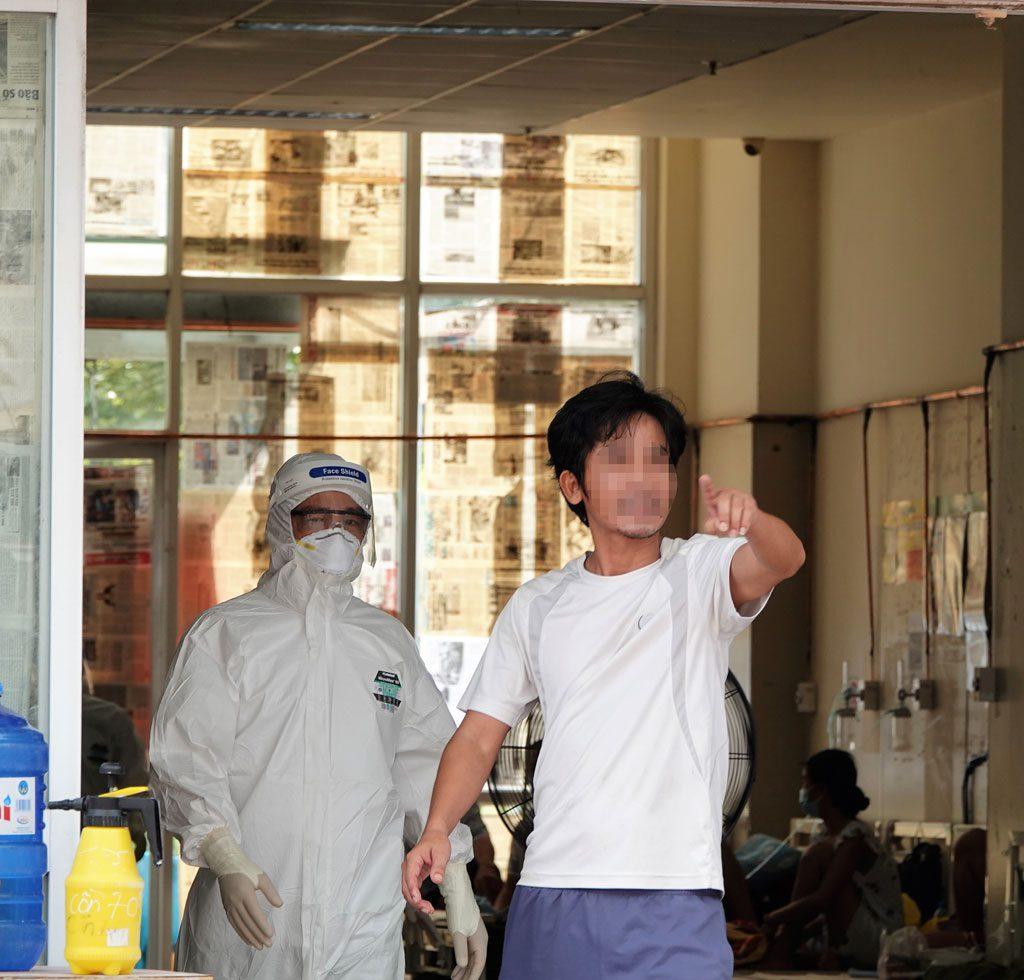 Bên trong bệnh viện dã chiến quân đội: Kiên nhẫn và... kiên nhẫn1