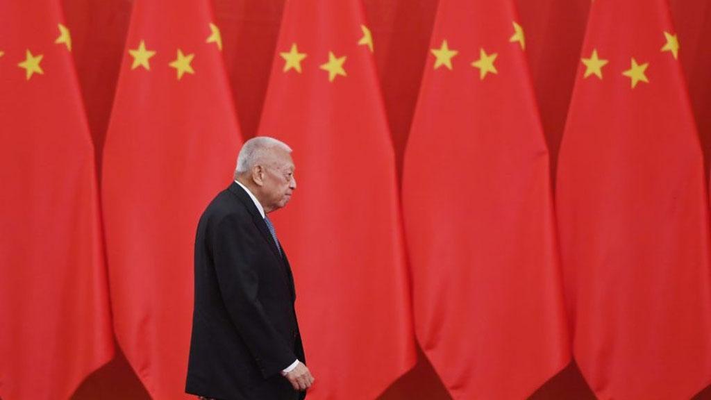 Cựu Đặc khu trưởng Hồng Kông và 'trò bùa' thông tin về Biển Đông - ảnh 1