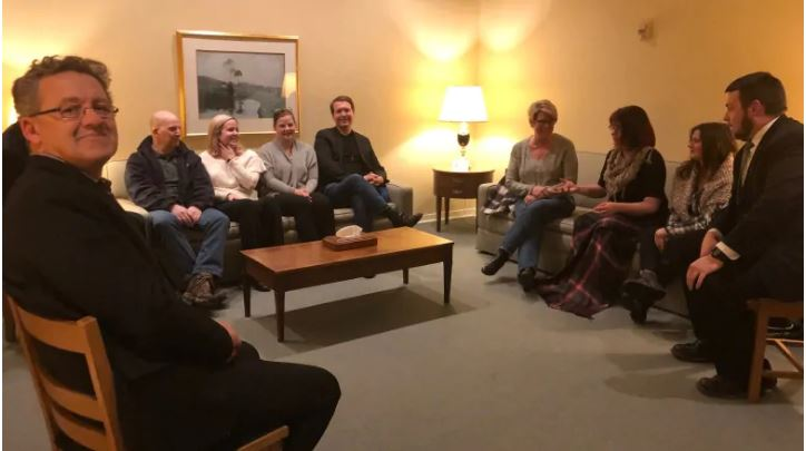 Picture of a peer support group meeting.