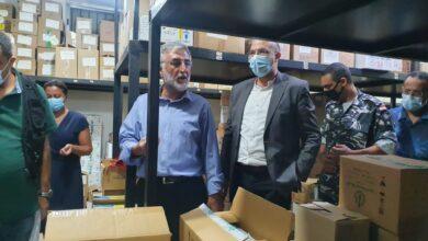 فضيحة في منطقة الزهراني : وزير الصحة يداهم مستودعاً احتكر أدوية مزمنة وحليب أطفال ويختمه بالشمع الأحمر