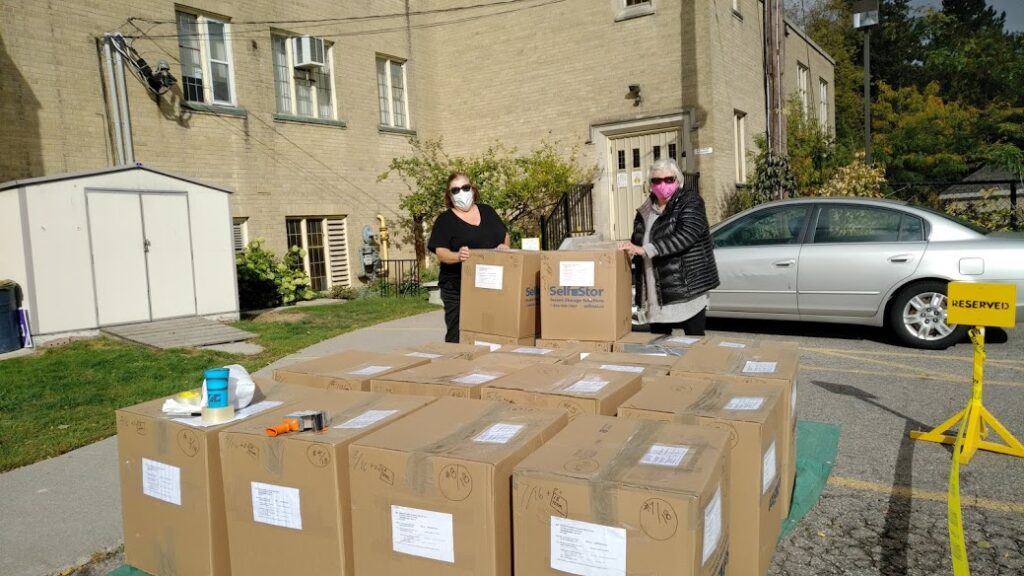 Richmond Hill United Church shipment to DFC Thunder Bay with some helpers