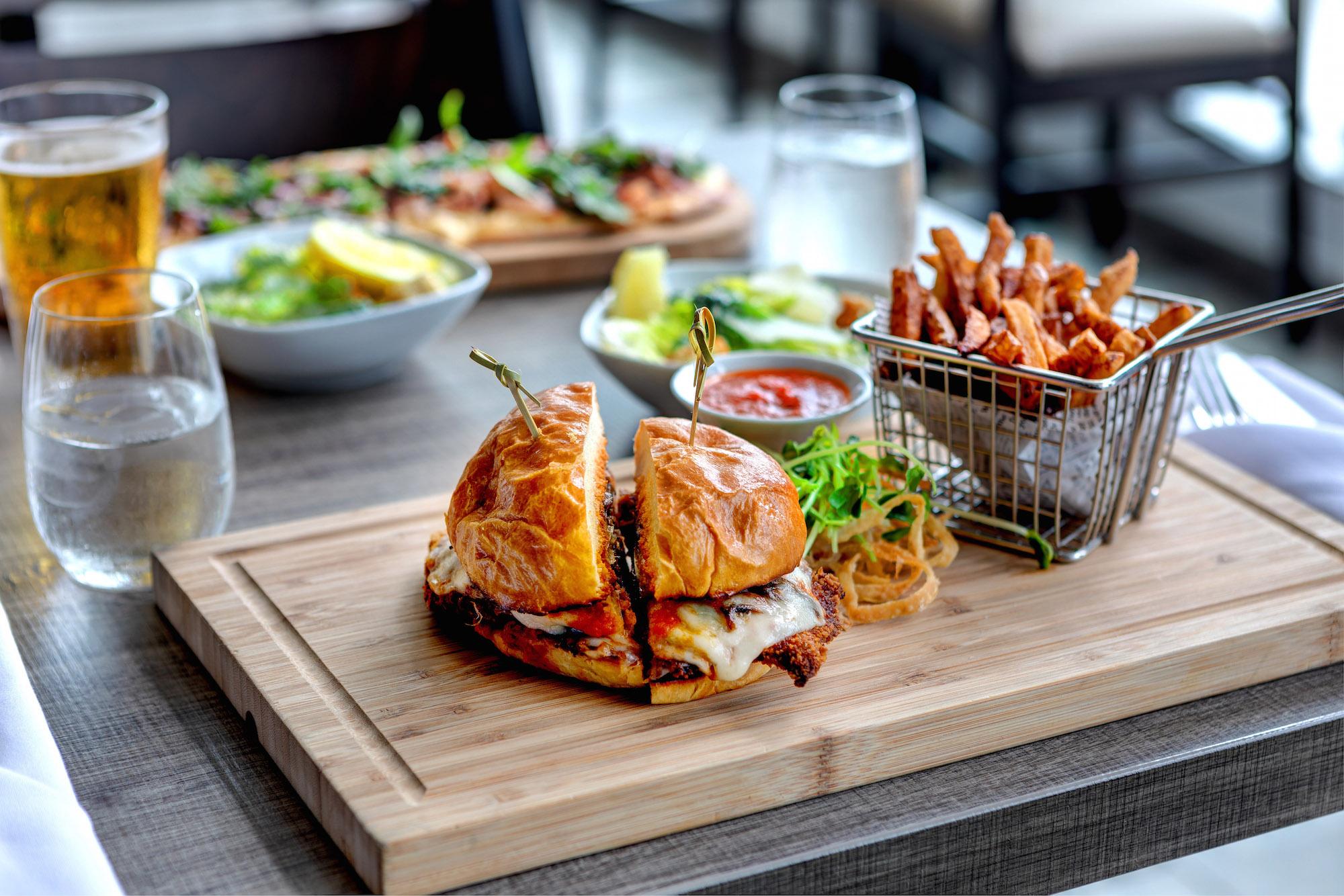 Maxx's Kitchen, Hotel X Toronto